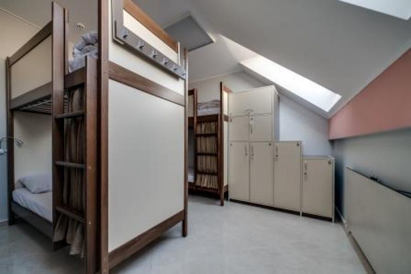 OSTRIV Шестимісна кімната